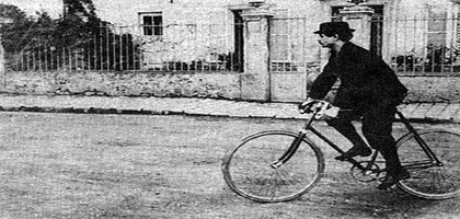 Alfred Jarry  bicyclette